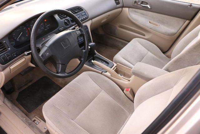 1995 Honda Accord Sdn EX Santa Clarita, CA 8