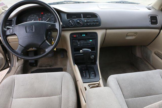 1995 Honda Accord Sdn EX Santa Clarita, CA 7