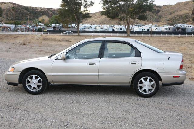 1995 Honda Accord Sdn EX Santa Clarita, CA 11
