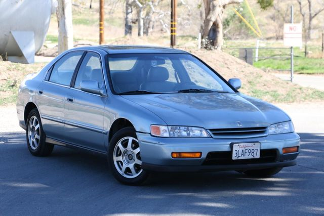 1995 Honda Accord Sdn EX w/Leather Santa Clarita, CA 3