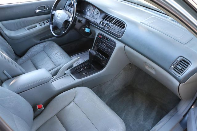 1995 Honda Accord Sdn EX w/Leather Santa Clarita, CA 9