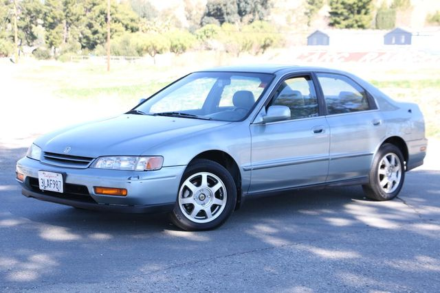 1995 Honda Accord Sdn EX w/Leather Santa Clarita, CA 1