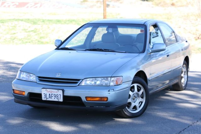 1995 Honda Accord Sdn EX w/Leather Santa Clarita, CA 4