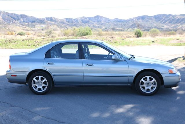 1995 Honda Accord Sdn EX w/Leather Santa Clarita, CA 12