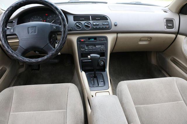 1995 Honda Accord Sdn LX Santa Clarita, CA 7