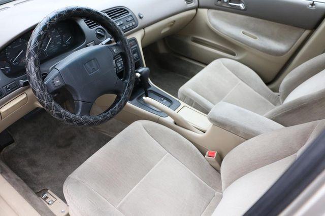 1995 Honda Accord Sdn LX Santa Clarita, CA 8