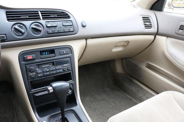 1995 Honda Accord Sdn LX Santa Clarita, CA 18