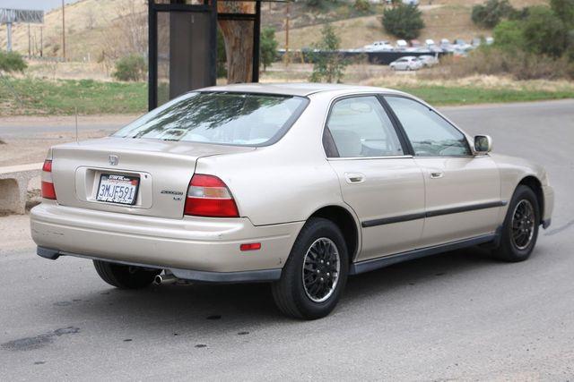 1995 Honda Accord Sdn LX Santa Clarita, CA 6