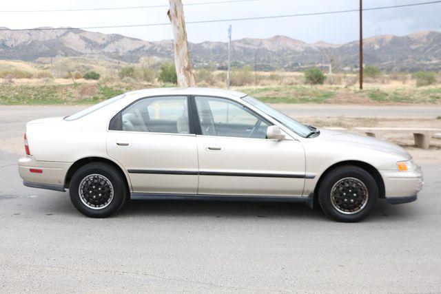 1995 Honda Accord Sdn LX Santa Clarita, CA 12