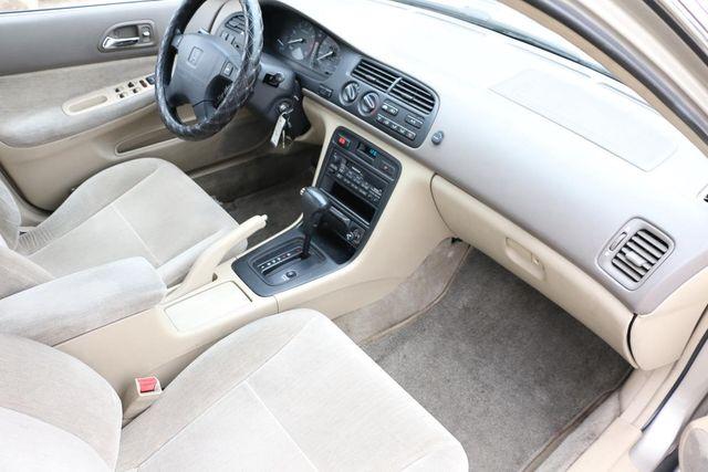 1995 Honda Accord Sdn LX Santa Clarita, CA 9