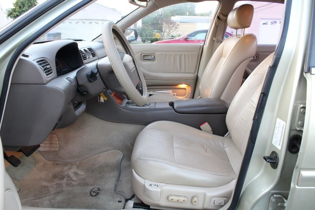 1995 Infiniti J30 Personal Luxury SERVICE RECORDS in Van Nuys, CA 91406