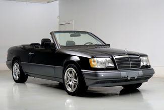 1995 Mercedes-Benz E Class E320 Cabriolet Low Miles New Top Clean Carfax in Dallas, Texas 75220