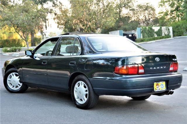 1995 Toyota Camry XLE Reseda, CA 16