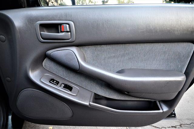 1995 Toyota Camry XLE Reseda, CA 26
