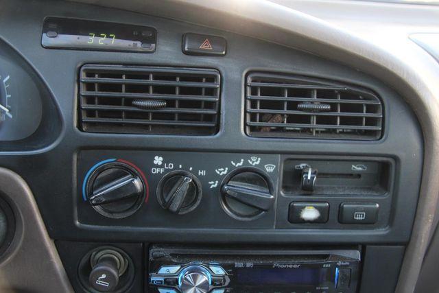 1995 Toyota Camry LE Santa Clarita, CA 18