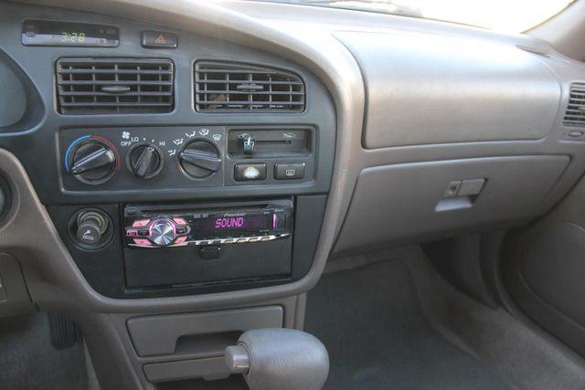 1995 Toyota Camry LE Santa Clarita, CA 17