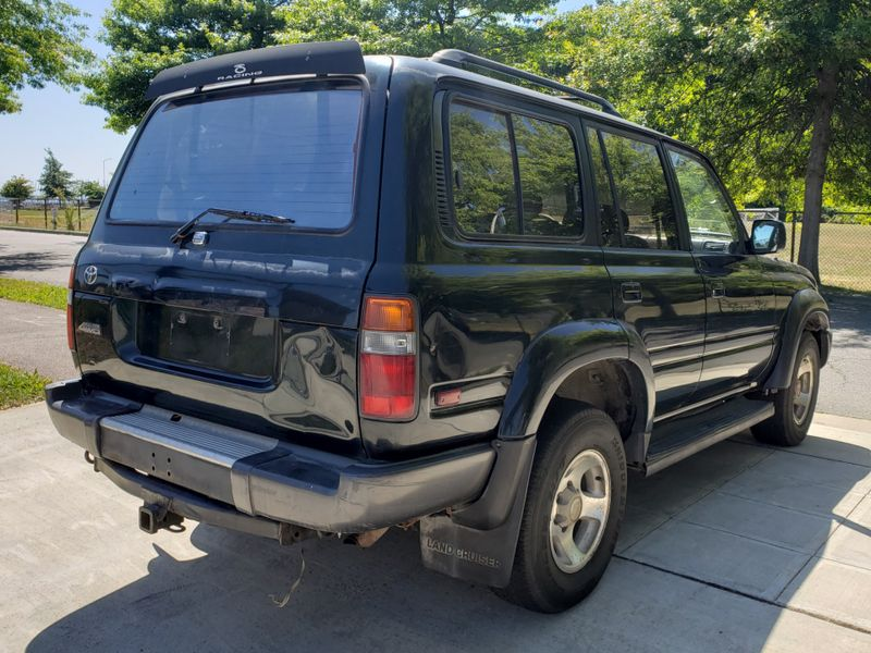 1995 Toyota Land Cruiser 4 Wheel Drive Runs Needs Paint  Interior Keep as is or Restore  city Washington  Complete Automotive  in Seattle, Washington