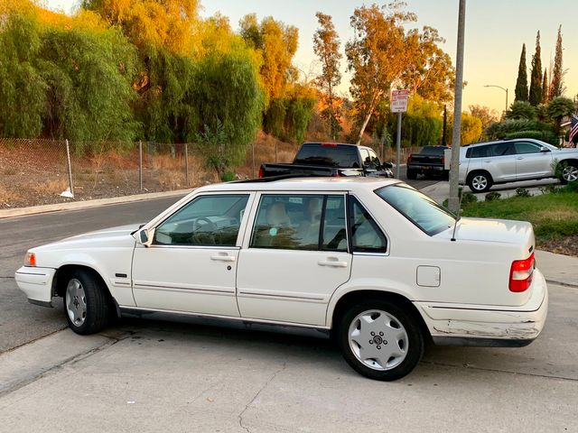 1995 Volvo 960 Sedan 60K Original Miles Automatic 2-Sets of keys in Van Nuys, CA 91406