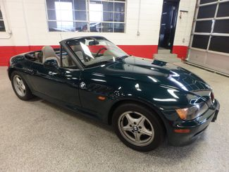 1996 Bmw Z3 5-Speed CONVERTIBLE. PERFECTLY SHARP & SOLID! Saint Louis Park, MN 23