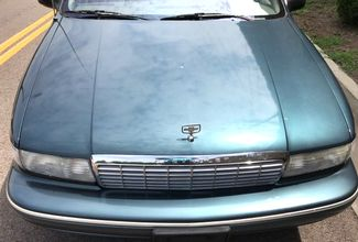 1996 Chevrolet-One Owner! Hard To Find Classic! Caprice Classic-BUY HERE PAY HERE! Knoxville, Tennessee 1