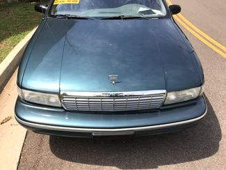 1996 Chevrolet-One Owner! Hard To Find Classic! Caprice Classic-BUY HERE PAY HERE! Knoxville, Tennessee 3