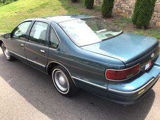 1996 Chevrolet-One Owner! Hard To Find Classic! Caprice Classic-BUY HERE PAY HERE! Knoxville, Tennessee 4