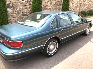 1996 Chevrolet-One Owner! Hard To Find Classic! Caprice Classic-BUY HERE PAY HERE! Knoxville, Tennessee 6