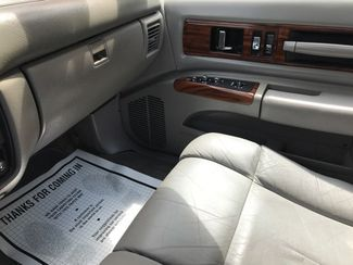 1996 Chevrolet-One Owner! Hard To Find Classic! Caprice Classic-BUY HERE PAY HERE! Knoxville, Tennessee 17