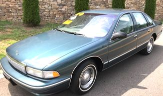 1996 Chevrolet-One Owner! Hard To Find Classic! Caprice Classic-BUY HERE PAY HERE! Knoxville, Tennessee 2