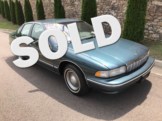 1996 Chevrolet-One Owner! Hard To Find Classic! Caprice Classic-BUY HERE PAY HERE! Knoxville, Tennessee