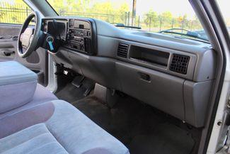 1996 Dodge Ram 2500 SLT Laramie Club Cab 5.9L 12 Valve Cummins Diesel Auto Sealy, Texas 25