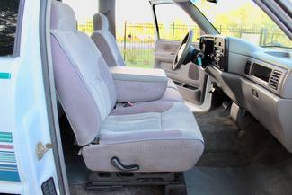 1996 Dodge Ram 2500 SLT Laramie Club Cab 5.9L 12 Valve Cummins Diesel Auto Sealy, Texas 26