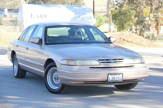 1996 Ford Crown Victoria LX Santa Clarita, CA 3