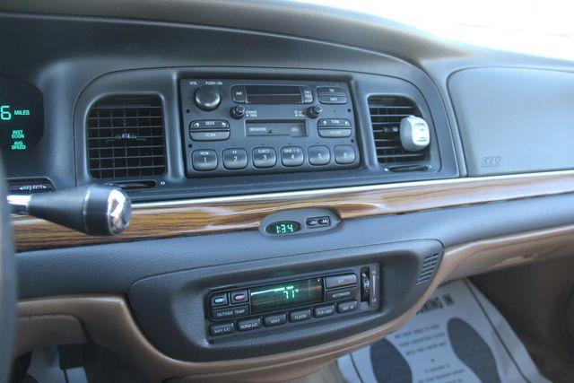 1996 Ford Crown Victoria LX Santa Clarita, CA 19