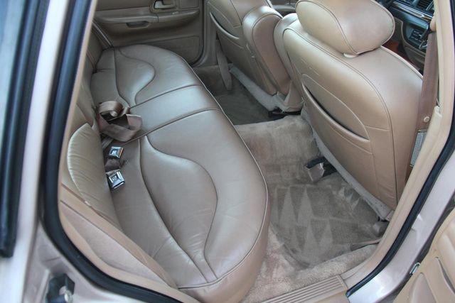 1996 Ford Crown Victoria LX Santa Clarita, CA 16