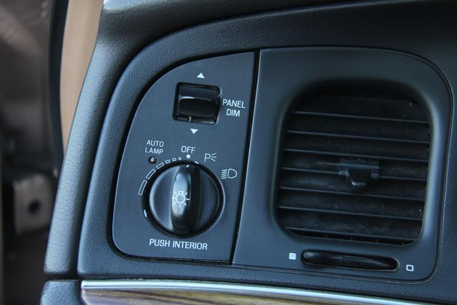 1996 Ford Crown Victoria LX Santa Clarita, CA 26