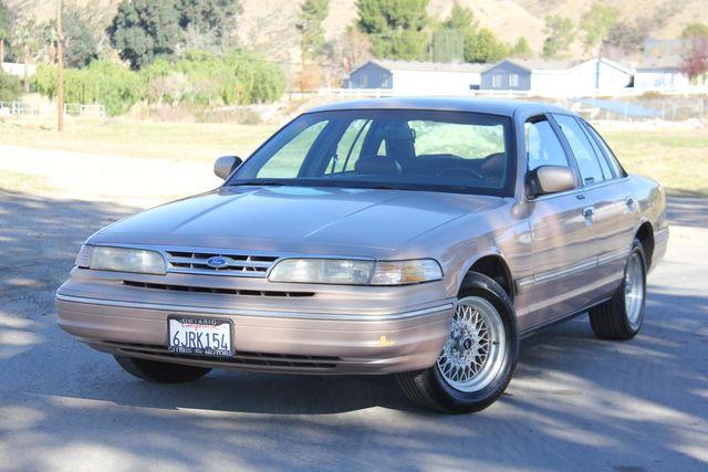 1996 Ford Crown Victoria LX Santa Clarita, CA 4