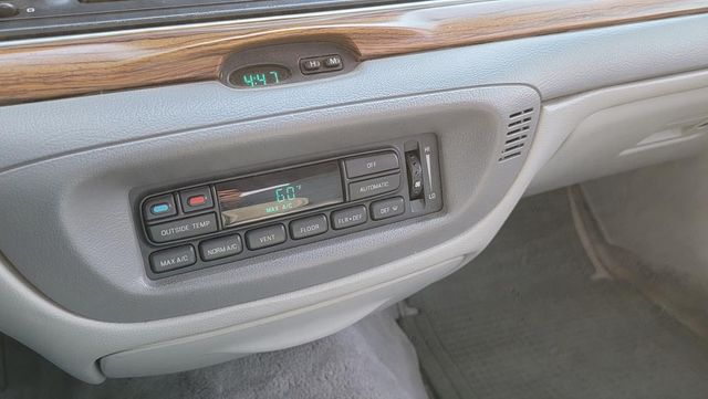 1996 Ford Crown Victoria LX Santa Clarita, CA 20