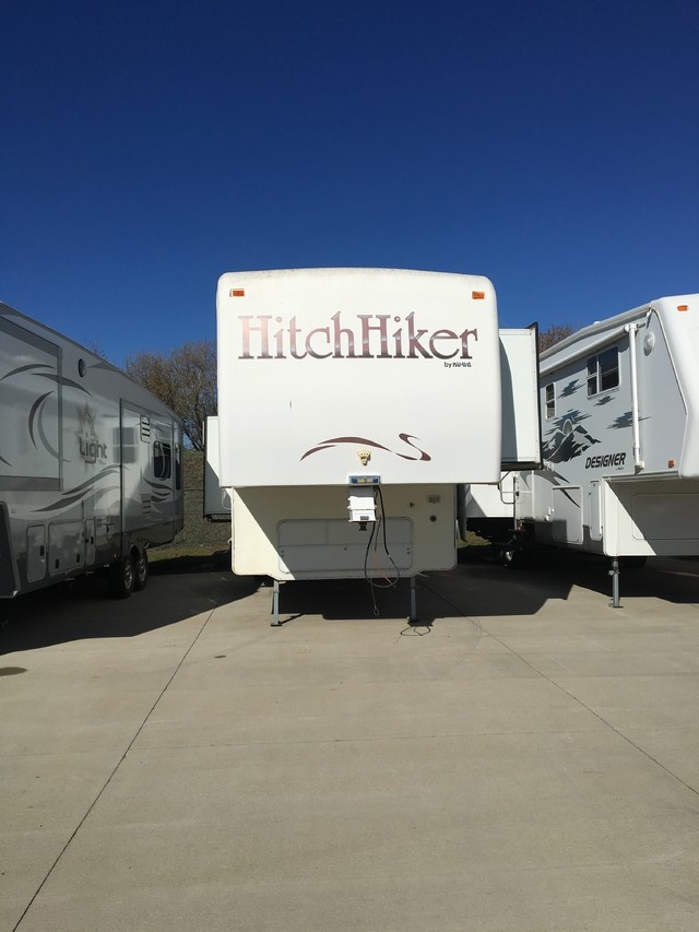1996 Hitchhiker Premier 34.5LKTGWB Mandan, North Dakota 1