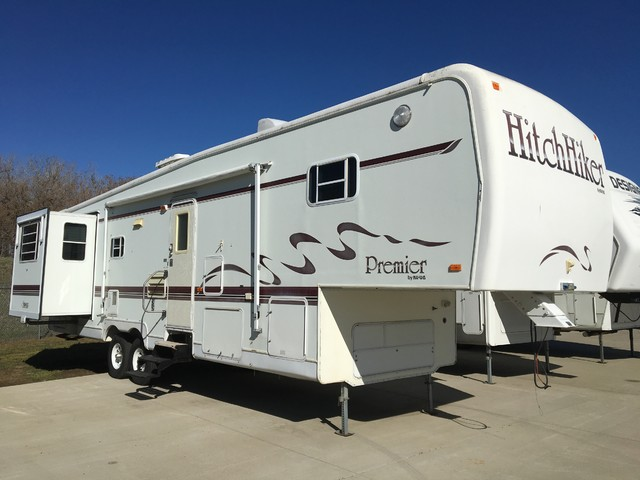1996 Hitchhiker Premier 34.5LKTGWB Mandan, North Dakota 0