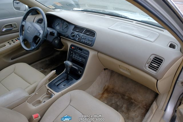 1996 Honda Accord Sdn EX w/Leather in Memphis, Tennessee 38115