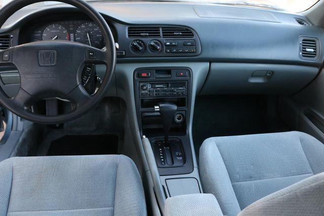 1996 Honda Accord Sdn LX Santa Clarita, CA 7