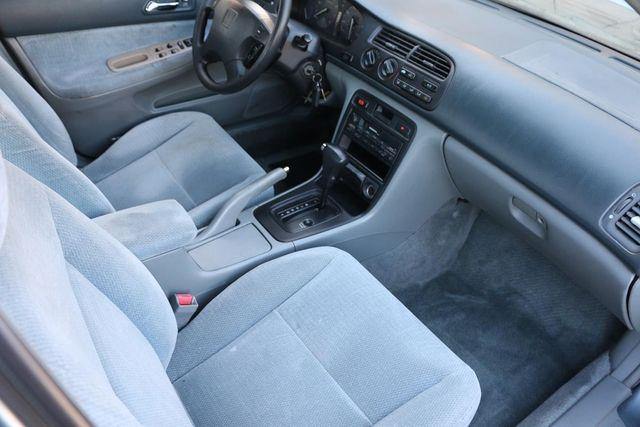 1996 Honda Accord Sdn LX Santa Clarita, CA 9