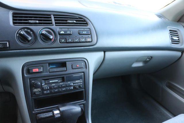 1996 Honda Accord Sdn LX Santa Clarita, CA 20