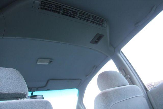 1996 Honda Odyssey LX Santa Clarita, CA 26