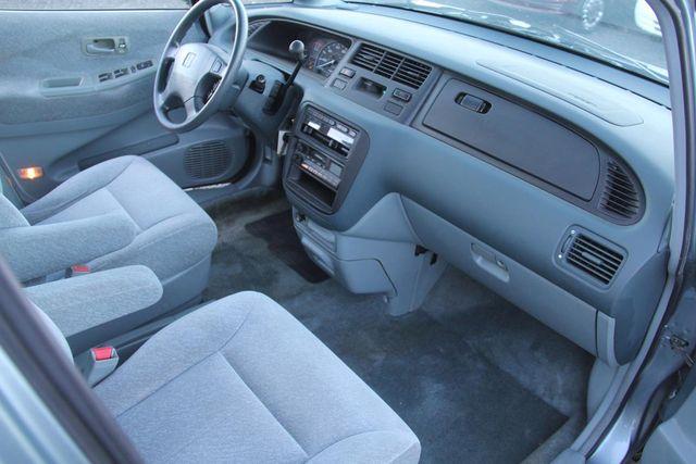 1996 Honda Odyssey LX Santa Clarita, CA 9