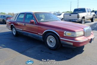 1996 Lincoln Town Car Signature in Memphis, Tennessee 38115