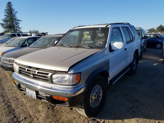 1996 Nissan Pathfinder XE