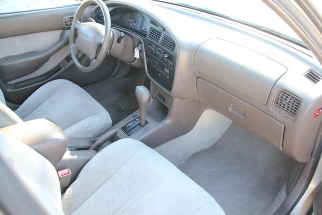 1996 Toyota Camry LE Santa Clarita, CA 9