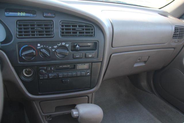 1996 Toyota Camry LE Santa Clarita, CA 18